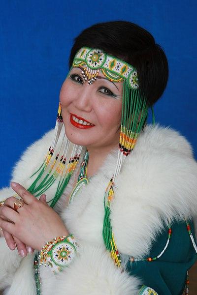 5 июня на 55-ом году жизни скоропостижно скончалась Анастасия Васильевна Апока, солистка ансамбля песни и танца народов Севера «Энэр».